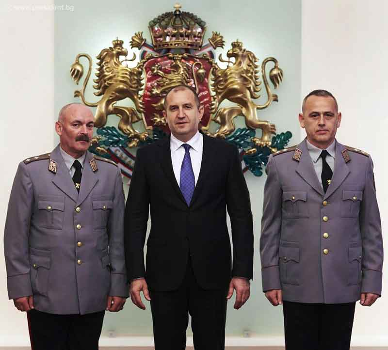 Long-Term Policy Needed to Deal with Military Retention Issues - President Radev