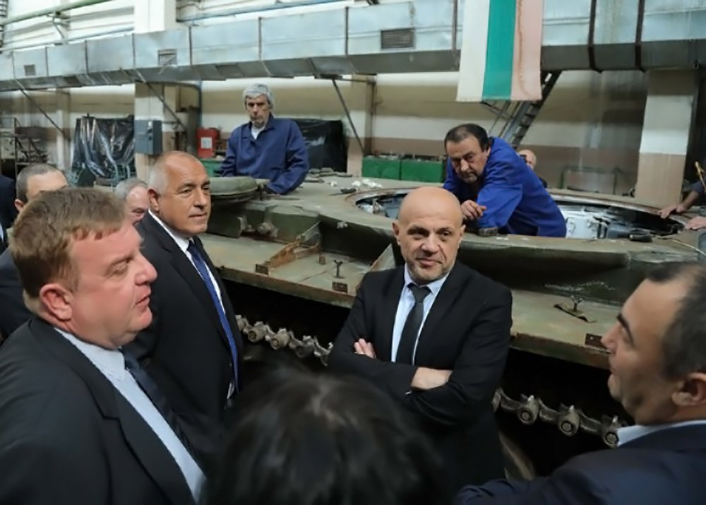 The-Cabinet-Wants-the-Bulgarian-Soldiers-to-Operate-Bulgarian-Machines