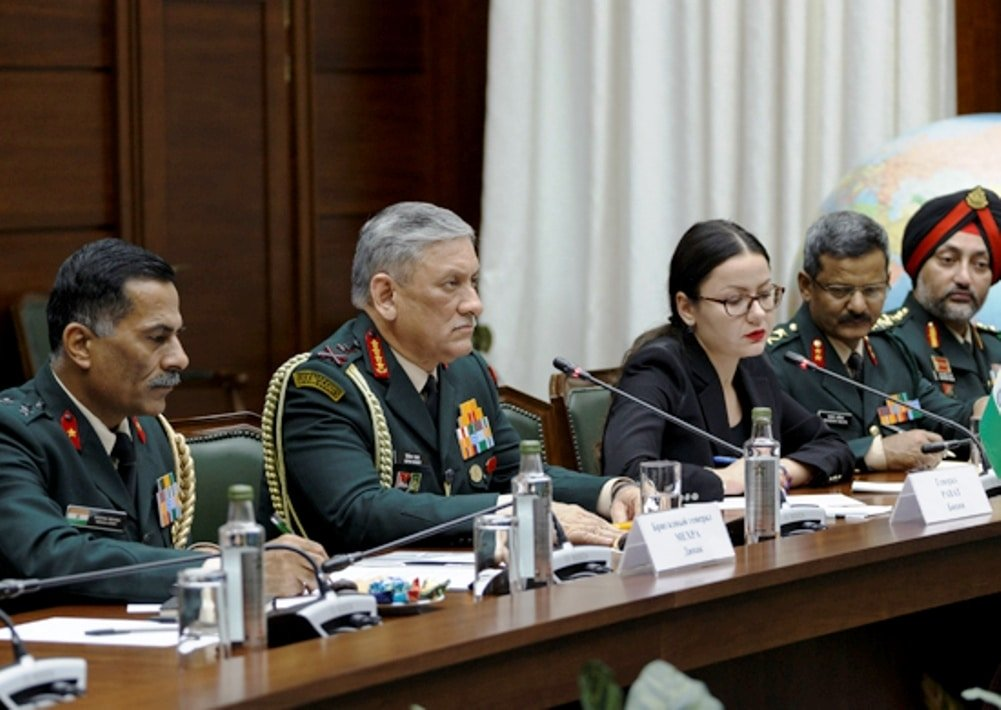 valery-gerasimov-welcomed-in-moscow-a-military-delegation-of-the-indian-army