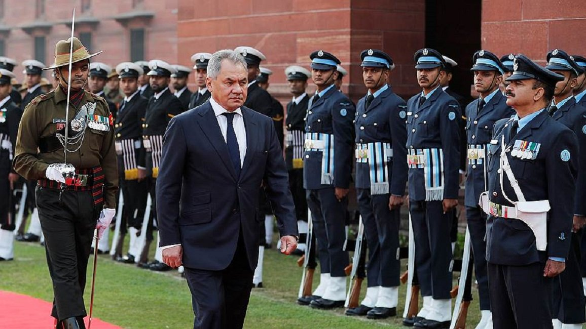 Defence Ministers of Russia and India Discussed the Start of Joint Production of Kalashnikov Guns in India