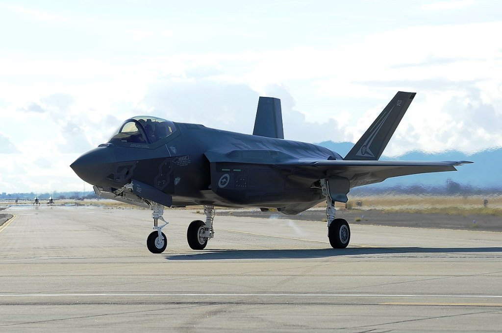 raaf-base-williamtown-welcomed-home-australia's-first-locally-based-f-35s