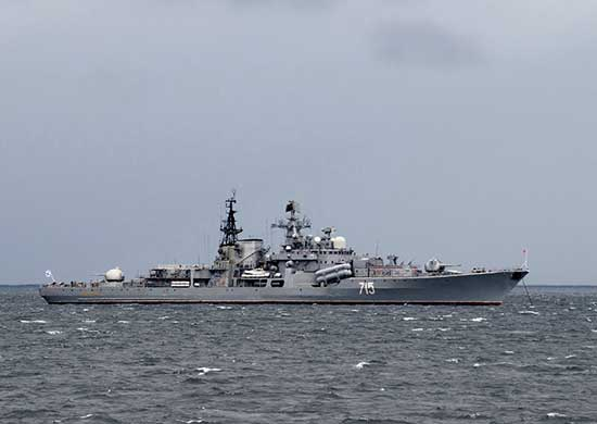 The-Russian-Destroyer-Bustryi-Performed-Artillery-Fire-in-the-Sea-of-Japan
