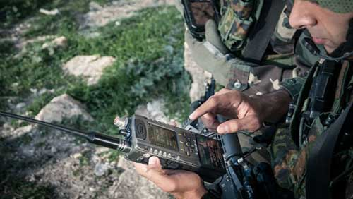 The German Army Buys E-LynX Soldier Radios In Handheld and Vehicular