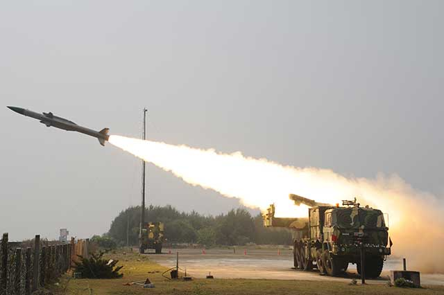 India-Buys-Akash-Missile-Systems-by-State-Run-Bharat-Electronics