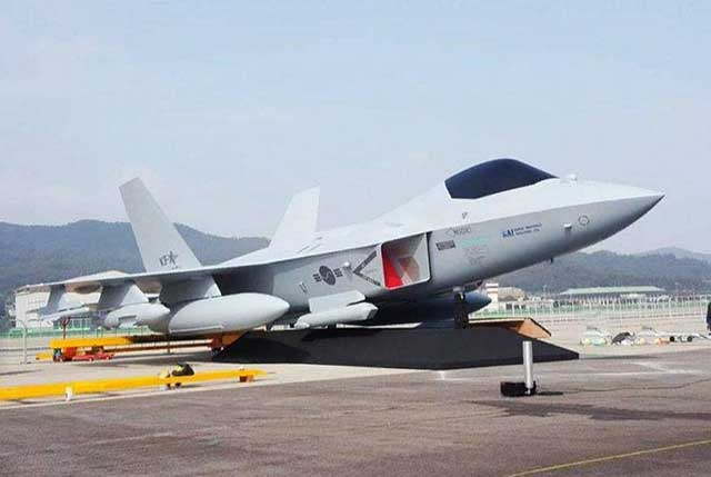 South-Korea-Unveils-5th-Generation-Fighter-Jet