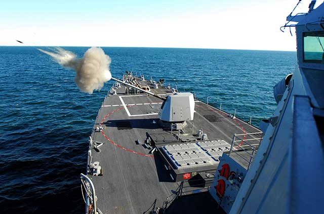 India-Buys-Lightweight-Naval-Guns-for-About-of-$1.02-Billion