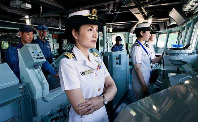 Capt.-Miho-Otani-became-the-first-woman-to-take-the-helm-of-an-Aegis-destroyer