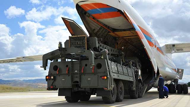 Russia-and-Turkey-discuss-the-supply-of-an-additional-batch-of-S-400-missile-system