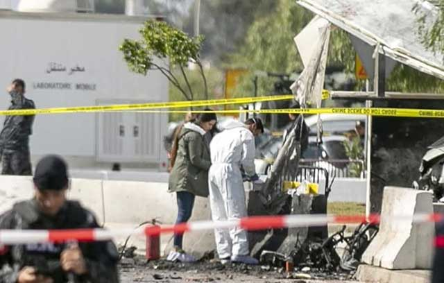 The-US-Embassy-in-Tunisia-under-attack-a-suicide-bomber-detonated-a-bomb-near-the-building