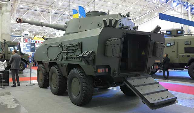 Ukraine-has-tested-the-new-Otaman-6×6-armoured-fighting-vehicle