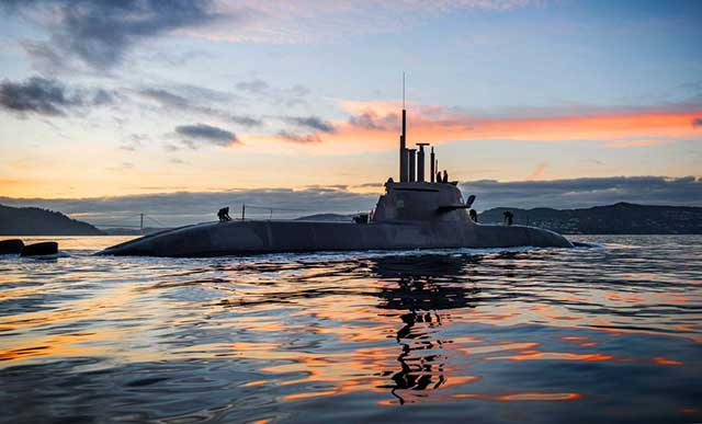 Egyptian-Navy-has-received-the-third-of-four-HDW-Class-209-submarine