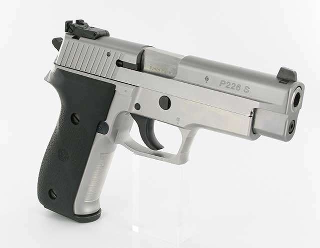 Top-5-best-pistols-in-the-world