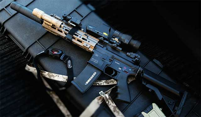 The-new-US-Army-assault-M16-rifle-is-as-reliable-as-the-Russian-AKs