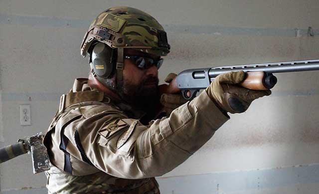 Dogfight!-Mossberg-500-A-pump-shotgun-vs.-Remington-870-pump-shotgun