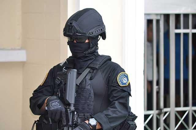 Heckler-&-Koch-assault-rifles-as-a-part-of-US-SWAT-armament