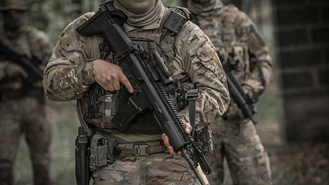 MK16-and-MK17—the-assault-rifles-of-the-US-Special-Operation-Forces