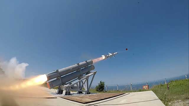 Turkish-Army-tested-Atmaca-cruise-missile-and-hit-a-target-at-a-distance-of-200-km