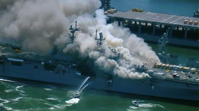 US-war-ship-caught-fire-at-the-American-naval-base-in-San-Diego-[video]