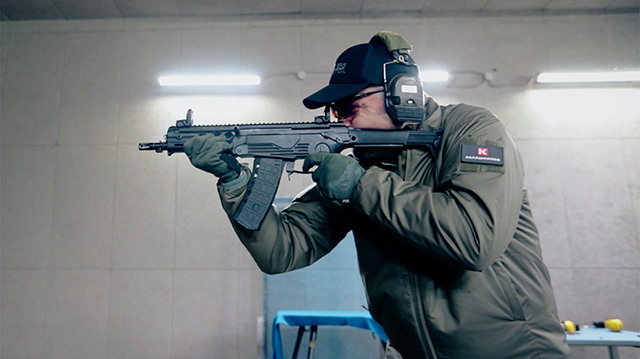 New-assault-rifle-for-military-pilots-will-be-created-in-Russia-by-Kalashnikov