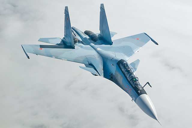 Su-30 Flanker-C – Russian 4 generation fighter jet [review]