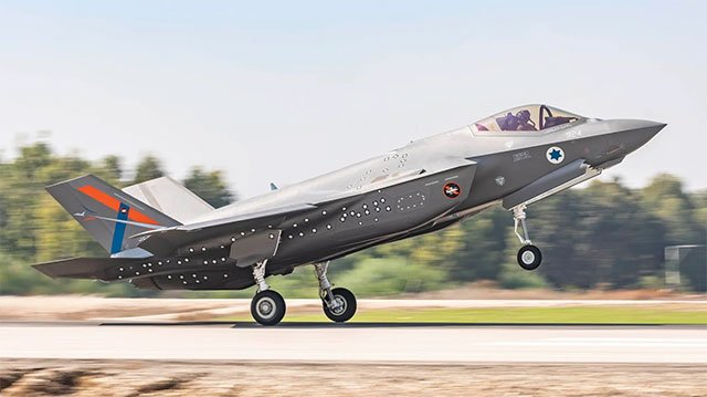 New-version-of-the-5th-generation-F-35-stealth-fighter-arrives-in-Israel-for-testing