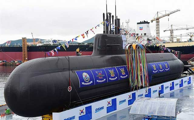 Seoul-acquired-a-submarine-with-vertical-launch-of-cruise-and-ballistic-missiles