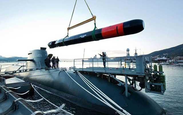 Turkish submarine TCG Gür S-357 tests a new local torpedo