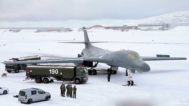 Historic-landing-of-the-US-B-1B-Lancer-in-the-Arctic-[photos]-2