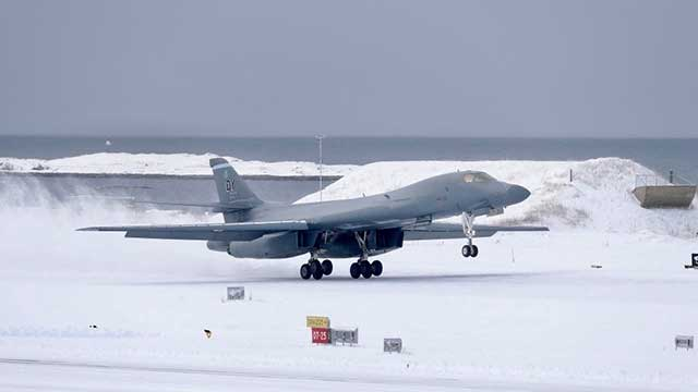 Historic-landing-of-the-US-B-1B-Lancer-in-the-Arctic-[photos]