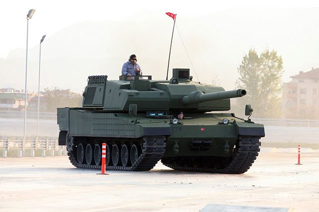 Light-at-the-end-of-the-tunnel-for-the-Turkish-Altay-tank