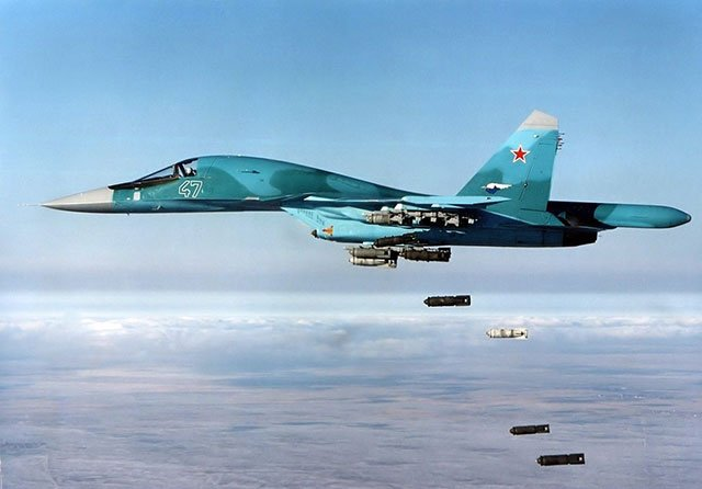 Russian-Su-34s-bombed-pro-Turkish-positions-in-Idlib,-Syria