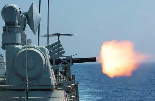 New-Chinese-naval-Gatling-type-gun-looks-scary-and-frightening