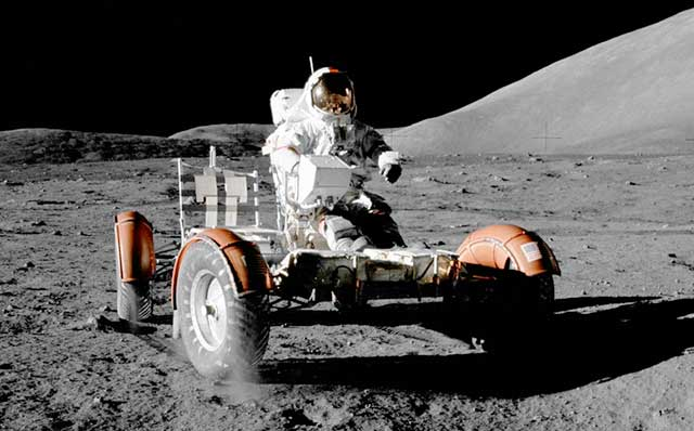 Who will build and what will be NASA's future lunar rover?