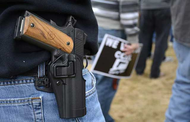 Everyone-in-Texas-over-the-age-of-21-with-firearms-on-the-streets