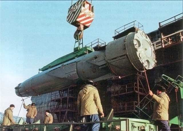 Top-5-of-the-best-and-deadliest-Russian-cruise-missiles-p-700-granit-cruise-missile