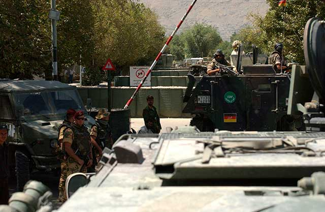 Rocket-attack-on-Afghan-presidential-palace-local-media-video-afghanistan