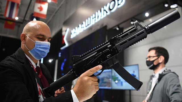 Russian-paratroopers-with-a-brand-new-assault-rifle—PPK-20
